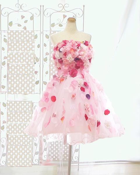 カラードレスはどれも同じに見えてしまい、好きな生地で、