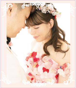 お花いっぱいの花ドレスで結婚写真撮影