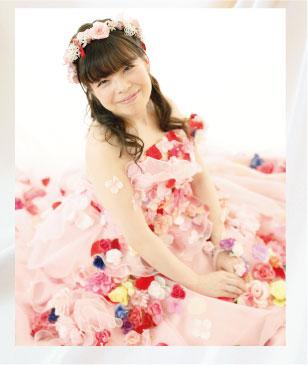 ピンクのお花ドレス(フラワードレス)で結婚写真(フォトプラン写真)