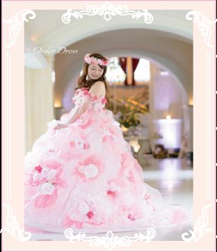 ピンクのお花ドレスに合わせて花冠も