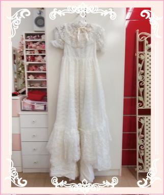 パフスリーブのウェディングドレス